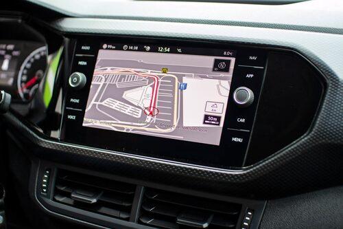 Infotainmentskärmen känns igen från övriga Volkswagen-produkter, lätt och smidig att hantera.