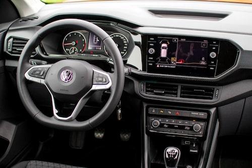 Provbilen har konventionella mätare men digitala mätare finns som extrautrustning.