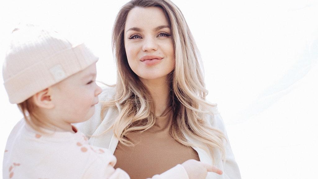Jonna Lundell är gravid med sitt andra barn, ett syskon till Lunabelle.