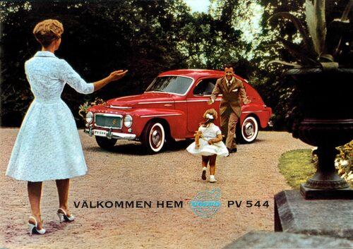 Volvo PV 544 var först ut med standardmonterade trepunktsbälten i framsätena.