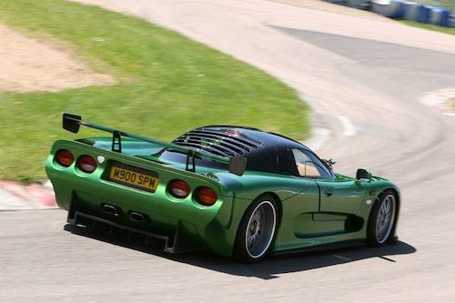 På bana känner sig Mosler mer hemma, under vårt Bankalas (TV 16/07) räckte det till en femte plats slagen av Ferrari 599, Audi R8, Lotus Exige S och Lamborghini Gallardo Superleggera.