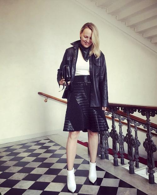 Jonna Bergh i favoritkjolen från Louis Vuitton.
