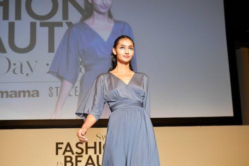 Modellen Anisa från Mp Management öppnade visningen.