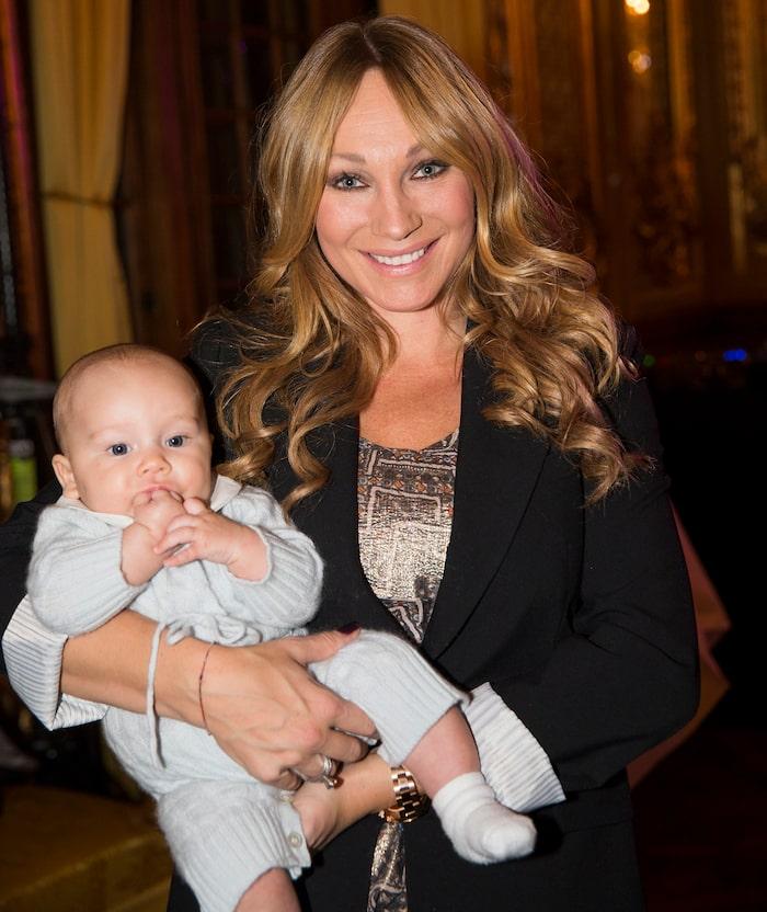 Charlotte Perrelli, trebansmamma och hetare än någonsin!
