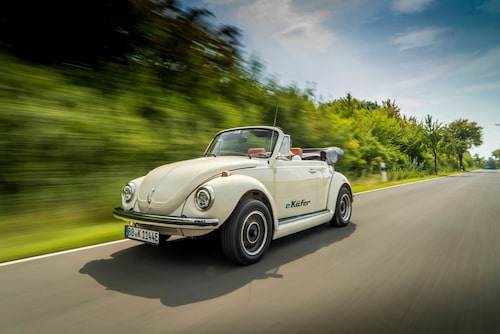 Volkswagen Typ 1 har redan blivit elkonverterad tack vare tyska företaget eClassics. Med delar hämtade enbart från Volkswagens hyllor, till exempel elmotor från e-Up, har man skapat modellen e-Käfer. Priset? Över en miljon kronor.