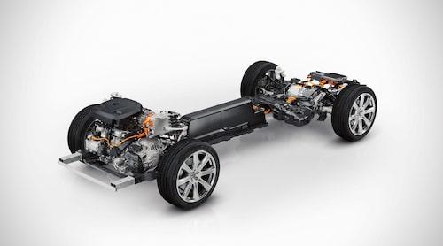 Volvos nya SPA-plattform är förberedd för elektrifiering och därför inkräktar drivlinan inte på innerutrymmena.