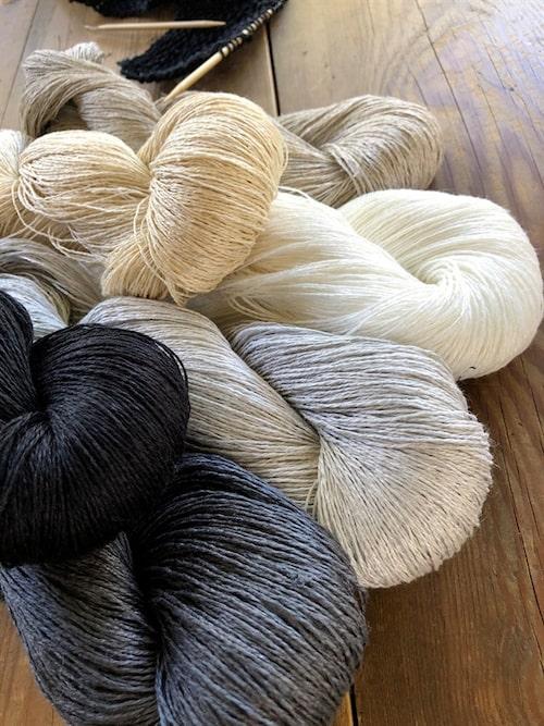 Lingarn från Växbo lin, som främst gör färdiga linneprodukter.