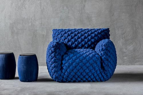 Nuvola armchair, en skultural skönhet i design av Paola Navone för Gervasoni.