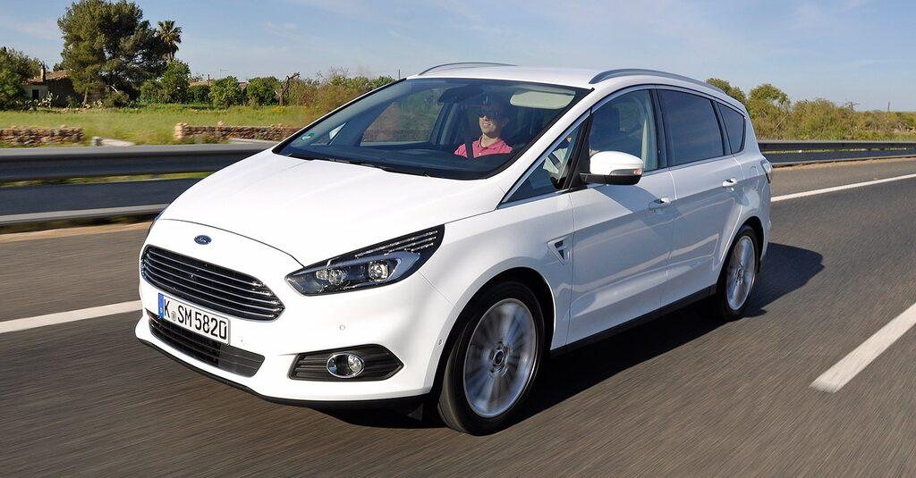 Ford S-Max rymmer sju sittplatser, körgläde och funktion. Delar teknik med nya Mondeo.