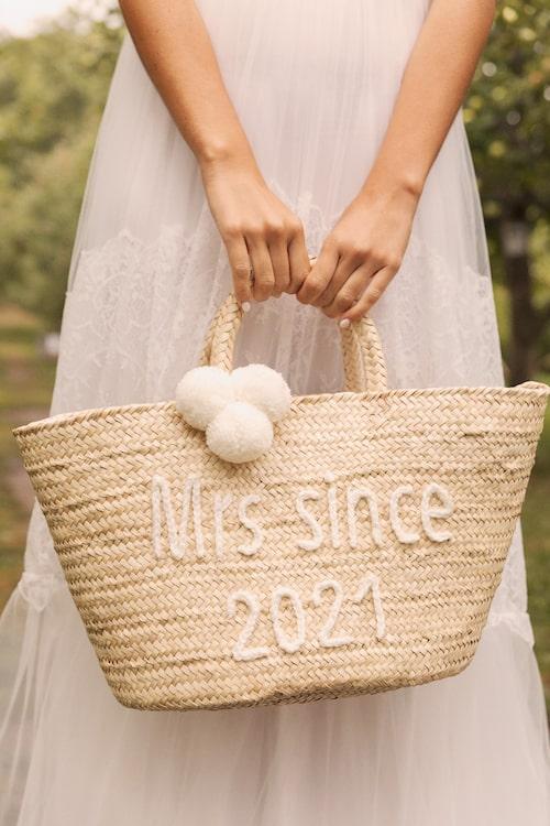 Stråväska från By Malina bridal SS21.