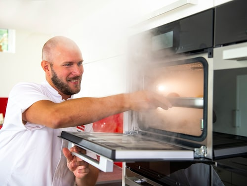 Kocken Fredrik Lindh leder event och matlagningskurser.