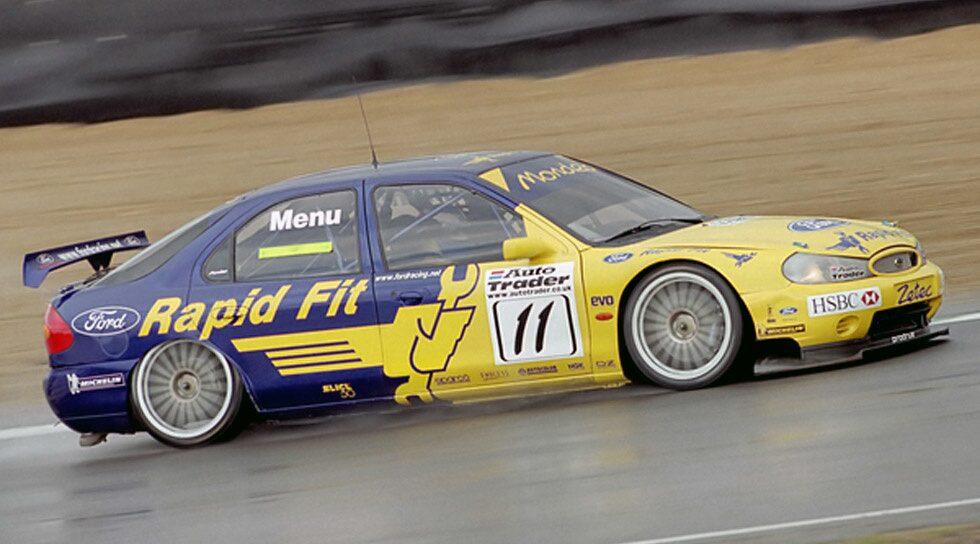 Alain Menu i Ford Mondeo, BTCC 2000