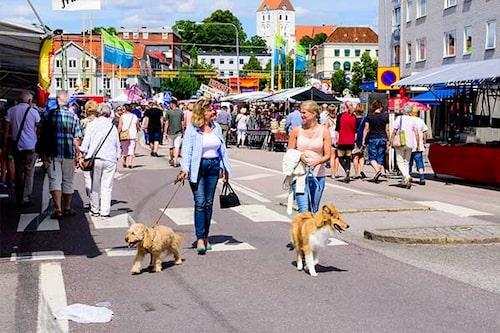 När festivaler och marknader kommer till Blekinge vaknar städerna till liv! Här bild från Tosia Bonnadan i Ronneby.