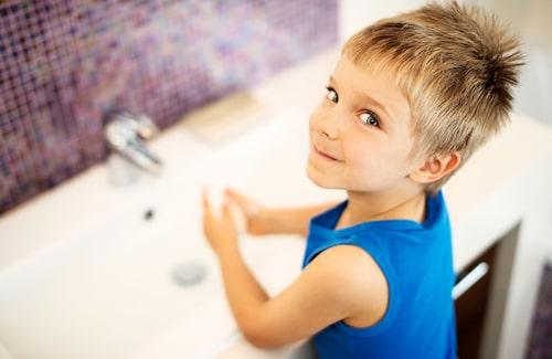 Tvätta händerna ofta - använd gärna flytande tvål och pappershanddukar.