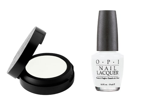 "Opi Nail lacquer i ""Alpine snow"", 150 kr, Make up store Microshadow i ""White"", 140 kr."