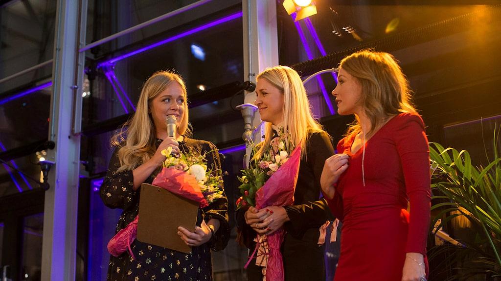 Årets stilmamas 2016! Ebba Kleberg von Sydow och Emilia de Poret tar emot pris av Tilde de Paula.