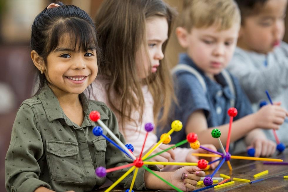Barnens skilda gensammansättning gör att de uppfattar och påverkas olika av det som sker omkring dem.