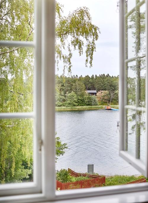 Utsikt från över Moholmen från ett av sovrumsfönstren.