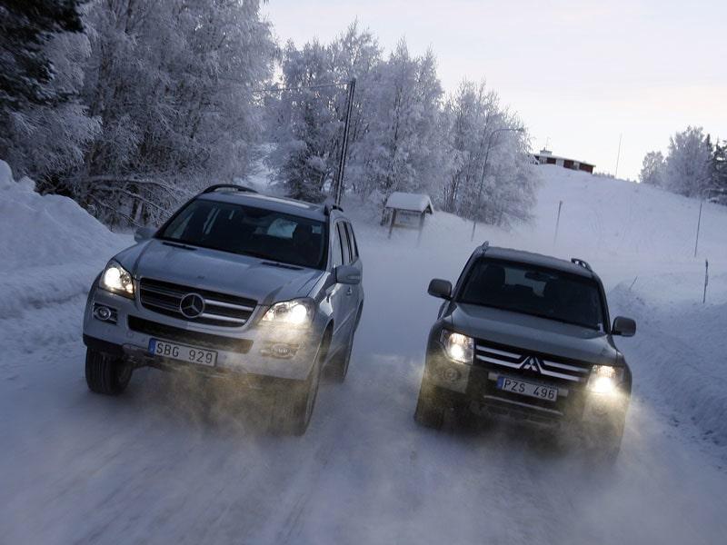 Provkörning av Mercedes GL och Mitsubishi Pajero