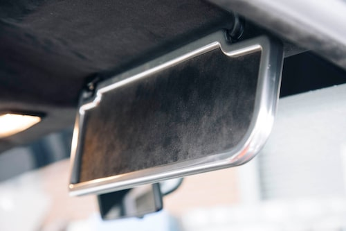 Smärta solskydd med smutt ram i aluminum känns exklusivt och lite som förr i tiden. Typisk RSi-detalj.
