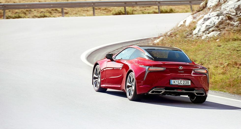 LC 500 har definitivt ett eget stuk. 15 bilar kommer till Sverige i höst, tolv är redan sålda.