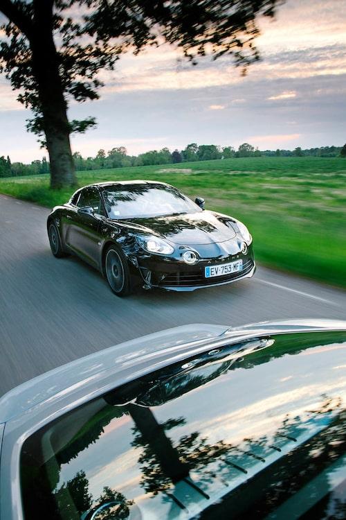 Så här ser Alpine A110 för 2010-talet ut. Inspirationen från sextiotalets anfader är tydlig.