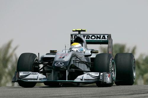 Nico Rosberg har hittills dominerat över sin stallkompis, den sjufaldige världsmästaren Michael Schumacher.