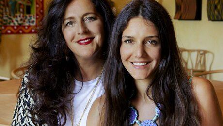 Missonis chefsdesigner Angela Missoni och hennes dotter Margherita.