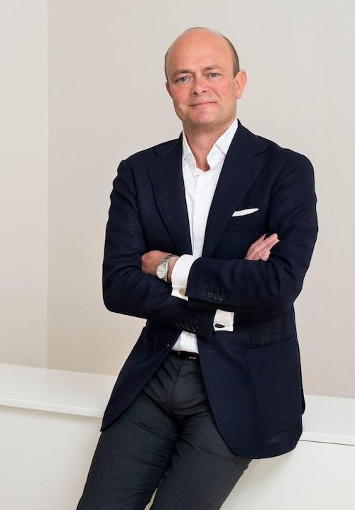 Peder reser mycket i arbetet som Skandinavienchef för auktionshuset Sotheby's, men har haft vindsvåningen i Stockholm som sin bas i 15 år.