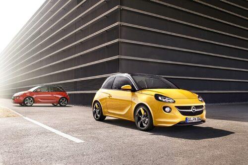 """Opel Adam <a href=""""/2012/09/28/35095/vilken-bil-ar-din-favorit-i-paris-2012/"""" style=""""color: #fd9903; font-weight: bold;"""">Är detta din favorit? Rösta här!</a>."""