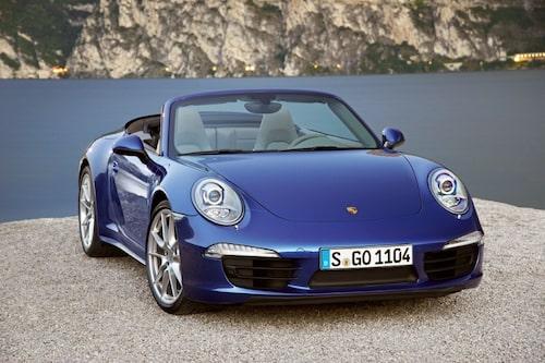 """Porsche 911 Carrera 4 <a href=""""/2012/09/28/35095/vilken-bil-ar-din-favorit-i-paris-2012/"""" style=""""color: #fd9903; font-weight: bold;"""">Är detta din favorit? Rösta här!</a>."""