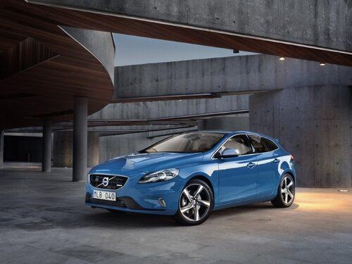 """Volvo V40 R-Design <a href=""""/2012/09/28/35095/vilken-bil-ar-din-favorit-i-paris-2012/"""" style=""""color: #fd9903; font-weight: bold;"""">Är detta din favorit? Rösta här!</a>."""