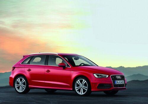 """Audi A3 Sportback <a href=""""/2012/09/28/35095/vilken-bil-ar-din-favorit-i-paris-2012/"""" style=""""color: #fd9903; font-weight: bold;"""">Är detta din favorit? Rösta här!</a>."""