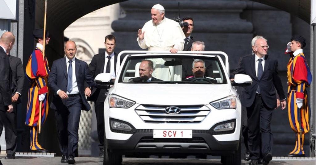 2015 Hyndai Santa Fe, påve Francis