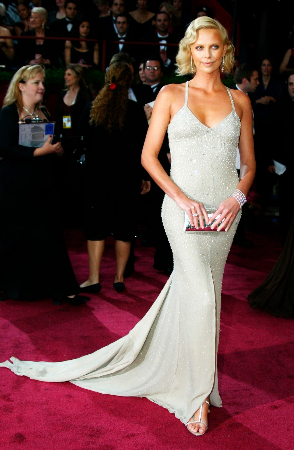 Nummer 4: Charlize Theron i Gucci, 2004.