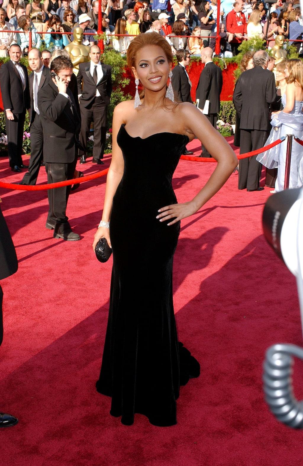Nummer 5: Beyoncé Knowles-Carter i Versace, 2005.