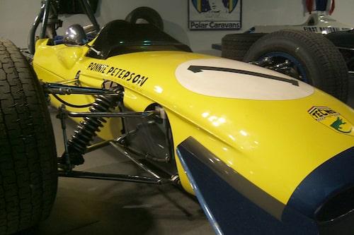 Genombrottsvagnen. Den Tecno Formel 3-vagn som han vann i Monaco med 1969 – mitt framför ögonen på alla vikiga Formel 1-människor.