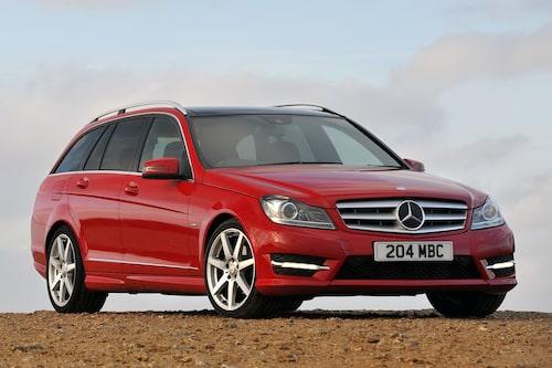 598 kronor per liter lastutrymme: Mercedes C-klass Kombi. Pris från 289 900kronor. Bagageutrymme: 485 liter. Euro NCAP krocktestbetyg: 5 av 5.
