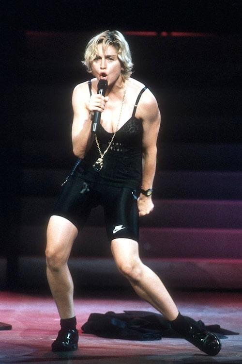 Madonna uppträdde i cykelbyxor i Los Angeles 1989.
