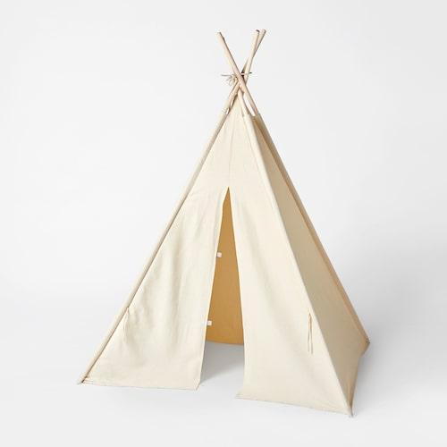 Enkelt och stilrent tält, perfekt att sitta och mysa i.