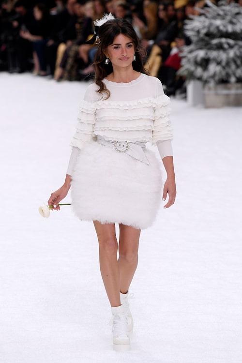 Penelope Cruz på catwalken för Chanel