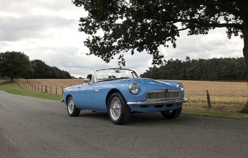 Originalet fanns även som coupé men som eldriven är det roadstern som gäller.