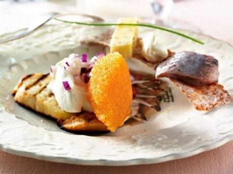 Svenska smaker, löjrom, matjessill och kumminost