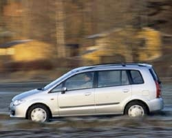 Provkörning av Mazda Premacy 2,0 16v