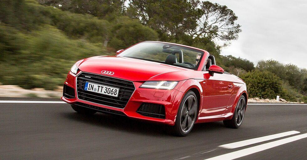 Bredare och lägre grill gör att Audi TT Roadster ser aggressivare ut än någonsin tidigare.