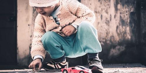 Tänk om mitt barn inte får vara med och leka? Den tanken har nog slagit de flesta föräldrar.