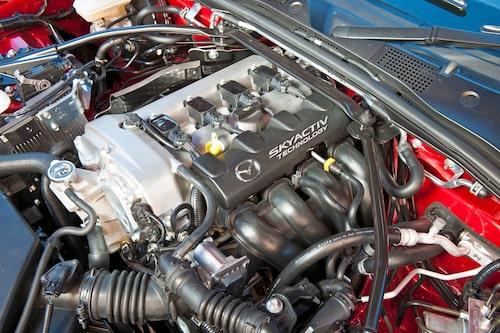 """Fyrcylindrig 1,5-litersmotor anpassad för sportig körning. Kan även komma i en Mazda 2 """"MPS""""!"""