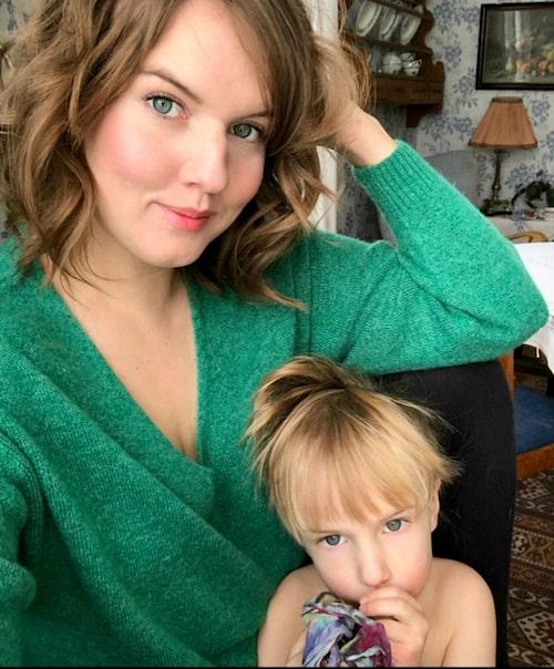 Bloggaren UnderbaraClara med yngsta sonen Folke.