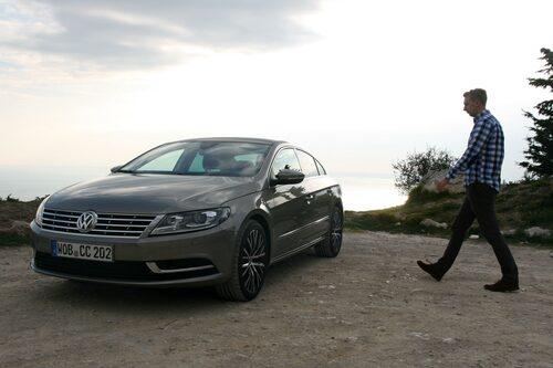 Erik Wedberg har begett sig till Nice för att köra Volkswagen CC.