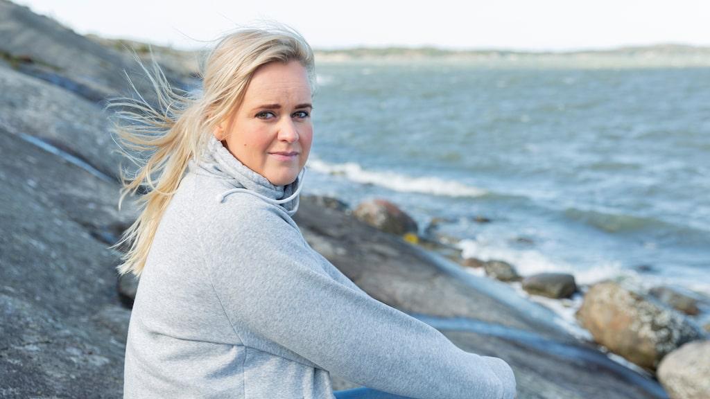 Linda Henriksson gick in i väggen. Följ hennes väg tillbaka från utmattningen till en vanlig vardag.